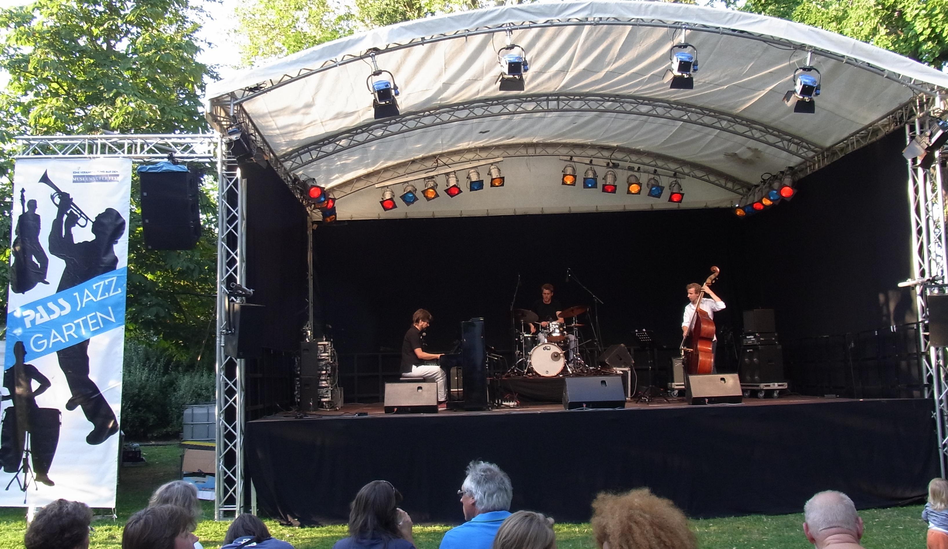 Stephan Becker Trio Jazzgarten 2013
